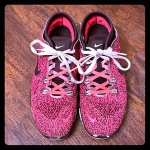 Hot pink & maroon Nike Free Tr Fit 4 Running Shoes